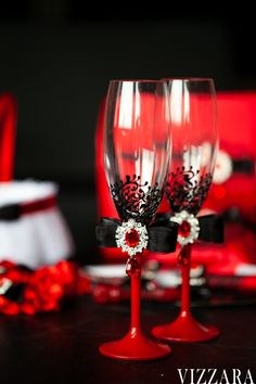 Wedding glasses Red and black wedding Unique champagne flutes Black and red wedding Personalized wedding glasses Red wedding colors Red Plum Wedding, Wedding Book, Wedding Colors, Wedding Ideas, Wedding Unique, Wedding Reception, Wedding Glasses, Wedding Champagne Flutes, Champagne Glasses