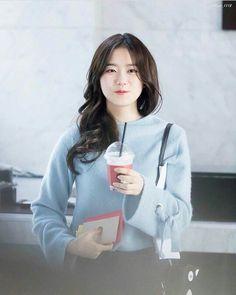 I.O.I - SOHYE Irene Kim, Kim Sejeong, South Korean Girls, Korean Girl Groups, Pre Debut, Cosmic Girls, Cute Korean, Korean Outfits, Korean Actresses