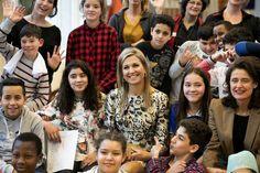 **EMBARGO** Maxima brengt bezoek aan de IMC Weekendschool