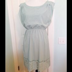 GORGEOUS MINT SUMMER DRESS WITH BEAUTIFUL HEM FEEL SO PRETTY IN THIS GORGEOUS SLIP OVER MINT DRESS BY YA LOS ANGELES. WOTN ONCE, ITS TOO BIG FOR ME. BEAUTIFUL DETAIL CUT OUT HEM. YA Los Angeles Dresses