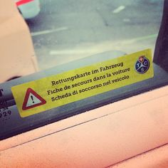 Rettungskarte im Auto? | Fiches de secours en voiture ? | Carta di soccorso in auto?