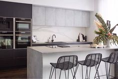 Take a tour of Ronnie and Georgia's beautiful kitchen and read more about the most 'technologically advanced kitchen ever on The Block' on our Insider Style blog here: http://ift.tt/2w68J8F #insiderstyle #9theblock The Block