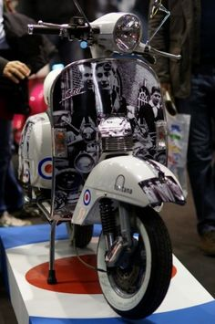Vespa Piaggio Vespa, Lambretta Scooter, Scooter Images, Skinhead Reggae, Fred Perry Polo Shirts, Desert Boots, Retro, Chelsea Boots, Motorcycle