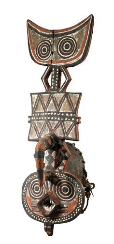 Africa | 'Plank' mask from the Nunuma or Winiama people of Burkina Faso | Wood with pigment | ca. mid 1900s. | The Nunuma and the Winiama are amongst the groups (often known as 'Gurunsi') that occupy the south-western Mossi plateau.
