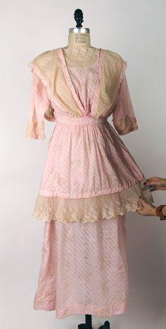 Edwardian Gowns, Edwardian Fashion, Vintage Fashion, Edwardian Clothing, Vintage Style, Blush Pink Dresses, Chiffon Dresses, Vintage Dresses, Vintage Outfits