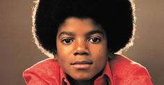 Supreme is known for celebrating pop culture icons on its apparel collections. The latest is royal, the King of Pop, Michael Jackson. Jackson Song, The Jackson Five, Jackson Life, Jackson Music, Janet Jackson, Jackson Family, Michael Jackson Lyrics, Young Michael Jackson, Photos Of Michael Jackson