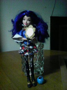É uma boneca de criança mas até é bonita Goth, Style, Fashion, Doll, Gothic, Swag, Moda, Fashion Styles, Goth Subculture