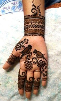 From weddings to engagements, from festivals to parties, here are 101 latest mehendi designs for 2019 for all occasions. Discover some chic new mehndi trends! Peacock Mehndi Designs, Latest Bridal Mehndi Designs, Mehndi Designs Book, Full Hand Mehndi Designs, Mehndi Designs For Beginners, Modern Mehndi Designs, Mehndi Designs For Girls, Mehndi Design Photos, Wedding Mehndi Designs