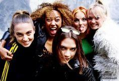 Spice girls! #emmabunton #melaniec #melanieb #victoriaadams #victoriabeckham #gerihalliwell #90s #90smusic #90spop #90sdivas #popmusic #90snostalgia #nostalgia #girlpower #grrrlpower ✊