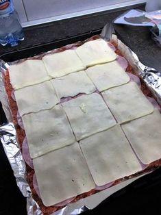 Roláda z mletého mäsa so špenátom (fotorecept) - obrázok 2 Ground Meat Recipes, Ham, Chicken Recipes, Recipies, Food And Drink, Menu, Pudding, Sweet Recipes, Cool Kitchen Gadgets