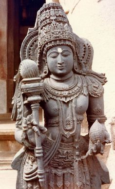 008 Buddhist lion capital The pillar (free standing) of
