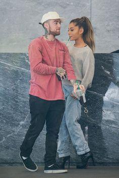 Rapper Mac Miller and singer Ariana Grande enter the Sirius XM. Mac Miller And Ariana Grande, Ariana Grande Mac, Ariana Grande Quotes, Ariana Grande Outfits, Scream Queens, Big Sean, Rapper, Divas, Photo Star