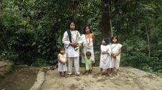 Hermosa familia Kogui / CUIDAD PERDIDA magictourcolombia.com #wetakeyouthere