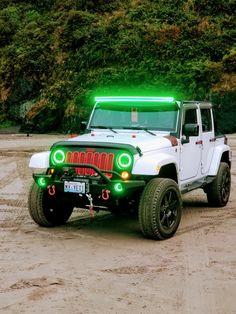 White Jeep, Monster Trucks, Cars, Vehicles, Autos, Car, Car, Automobile, Vehicle