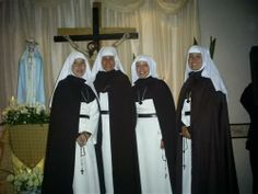 These are the Roman Catholic Missionary Sisters of Restitution based in Mexico and the United States.