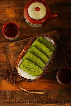 Steamed Matcha Green Tea Blondies
