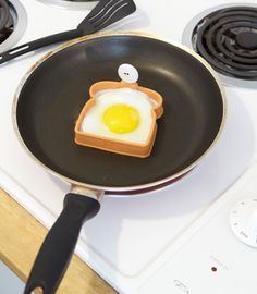 genius kitchen gadget when that egg goes on toast