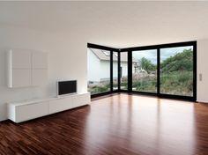 Eckfenster und Hochkantlamellenparkett