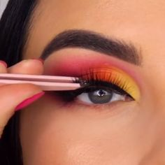 Hermoso maquillaje womans striped sweater - Woman Knitwear and Sweaters Makeup Goals, Makeup Inspo, Makeup Art, Makeup Inspiration, Makeup Tips, Cute Makeup, Gorgeous Makeup, Eyeshadow Looks, Eyeshadow Makeup