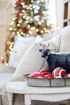Christmas Decorating Ideas: Holiday Housewalk Tour - Finding Home
