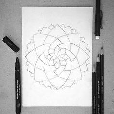 "009 - ""flower"" #illustration #artsupplies #illustratorsoninstagram #illustrator #mandala #art #sketch #sketching #sketchbook #drawings #drawing #draw #desenho #esboço #ilustra #love #color #beautiful #me #gideism #artmaterials #flor #flower"