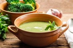 Got Kale? This Creamy Kale & Broccoli Soup is the Perfect Way to Load up on Leafy Greens!