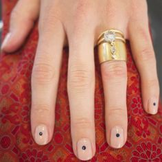 How Team Zoe layers with their engagement rings #breakingbridal