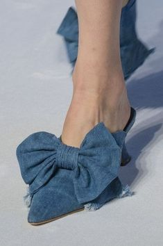 Vivetta at Milan Fashion Week Spring 2018 - Details Runway Photos ☼ ஜℓvஜ ✨❁⊰ FR Feb 2018 ⊱⛩☮️☸️ॐ⛩✨❁↠ ஜℓvஜ ☼ Mens Fashion Shoes, Denim Fashion, Crazy Shoes, Me Too Shoes, Shoes 2018, Runway Shoes, Vivetta, Walk In My Shoes, Denim Shoes