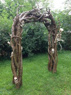 This is made from pool noodles!  From Nightfisher on Halloween Forum