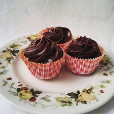chocolate cupcakes. vichy