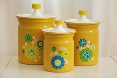 love these 70s canisters :)...