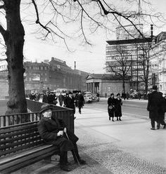 Friedrich Ebert, Berlin Photos, Potsdamer Platz, Underground World, The Third Reich, Street Photo, Historical Photos, Ww2, Night Life