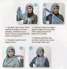 Seri Tutorial Hijab:  SIMPLE BANDUL SAMPING  Cocok buat: Kuliah, Event Santai/Travel  Bagi yang udah coba boleh tag/mention kami di Facebook/Twitter, So pasti di share / retwit (^ - ^)b  Visit our blog: http://salonmuslimahaisya.blogspot.com/