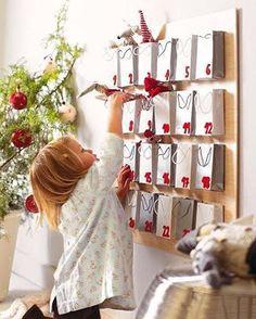 Vocês conhecem a brincadeira do Calendário do Advento? A palavra Advento significa chegada, início e, nessa época de Natal, o calendário funciona como uma contagem regressiva até o dia 24 de dezembro.🎅🏻❤🗓 O ideal é começar a brincadeira no primeiro dia do mês (mas nada impede de começar depois também, já com alguns dias de dezembro....😏) A cada dia marcado coloque alguma surpresa para os pequenos, que pode ser uma lembrança, tarefa ou ação como doar um brinquedo, dar um abraço, fazer um…