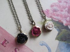 Best Friend Necklaces, Round Locket with Black Mauve Cream Rose Set of Three necklaces Vintage Wedding, Bridesmaids Gifts Bff Necklaces, Best Friend Necklaces, Best Friend Jewelry, Friendship Necklaces, Cute Necklace, Cute Jewelry, Jewelry Gifts, Flower Jewelry, Sister Jewelry