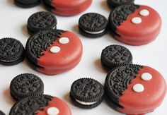 Mickey Mouse oreo cookies my nephew would love these!!