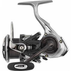 Κατασκευασμένο από Carbon Zaion ο Caldia Lt είναι ένα διαμάντι στα χέρια σας. Με την τεχνολογία LT της Daiwa είναι ασυναγώνιστος. Αναλόγως την πομπίνα του σε μέγεθος είναι κυρίαρχος μηχανισμός ψαρέματος για Spinning, Jigging ή για ψάρεμα από την βάρκα. Fishing Reels, Stationary, Gym Equipment, Bike, Bicycle, Bicycles, Workout Equipment