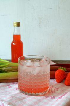 Erdbeer-Rhabarber-Sirup mit Vanille