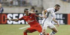 Cuplikan Gol Real Madrid Dibantai Paris Saint Germain 1-3