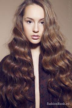Алина Голубева Blonde Highlights On Dark Hair, Dark Blonde Hair, Chestnut Brown Hair, Beautiful Long Hair, Ginger Hair, Hair Pictures, Curly Hairstyles, Hair Inspiration, Ash