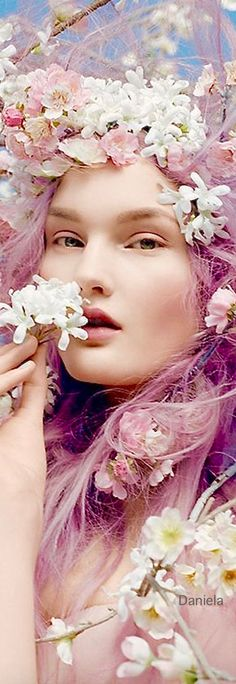 One with nature Floral Fashion, Pink Fashion, Bloom Where Youre Planted, Merry Christmas To All, Pretty Hairstyles, Pretty Woman, Her Hair, Flower Power, Lady