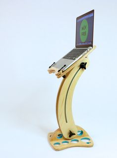 This mobile computer stand improves posture, energy, and focus by raising screens to eye level.