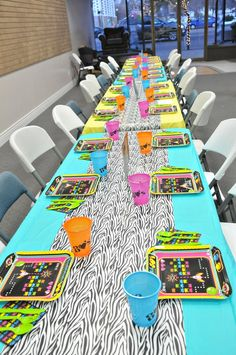 80's party tablescape
