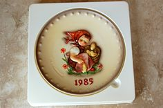 M.J. HUMMEL 1985 Annual Plate - Chick GIRL