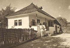 """Traditional houses in rural Romania (case traditionale romanesti) *** Upon arriving in her new home country in the young wife of Prince Carl of Romania noticed in her writings: """"Every R… Romania People, Rural House, White Horses, Traditional House, Old Photos, Interior And Exterior, Countryside, Poster, House Styles"""