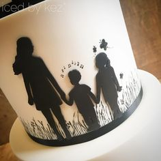This middle tier of Temira & Tai's wedding cake was a super important one to get right. Not going to lie I got a little emotional as I was painting the final touches. You see these are their 3 kids, Paris is the oldest with her two younger siblings little Taison who would be 6 and Rio who would be 9 now. They both had Mitochondrial disease Rio lived for 22 mths and Taison bet the odds living until he was 3. Please take some time to visit this website where they are raising awareness for…