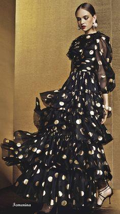 3e4757abc9 Dolce  amp  Gabbana Spring Summer 2019 Xmas Collection Gala Dresses