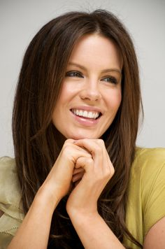 Kate Beckinsale a very fresh face! Kate Beckinsale Plastic Surgery, Kate Beckinsale Pictures, Fresh Face, Beautiful Smile, Beautiful People, Beautiful Women, Simply Beautiful, Beautiful Actresses, Her Hair