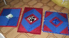 tres tapetes feito em retalhos de tecido eu que fiz e amei