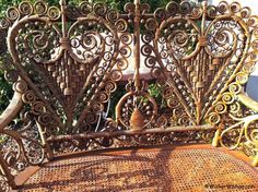 Have wicker furniture questions? Get answers on how-to paint wicker, how-to clean wicker, and how-to repair wicker by The Wicker Woman-Cathryn Peters.